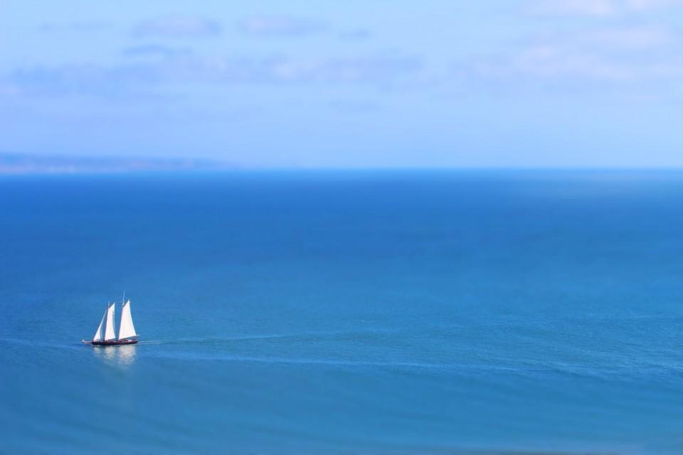 sailboat-tiltshift