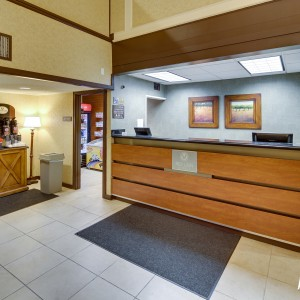 Red Lion Portland Airport Front Desk