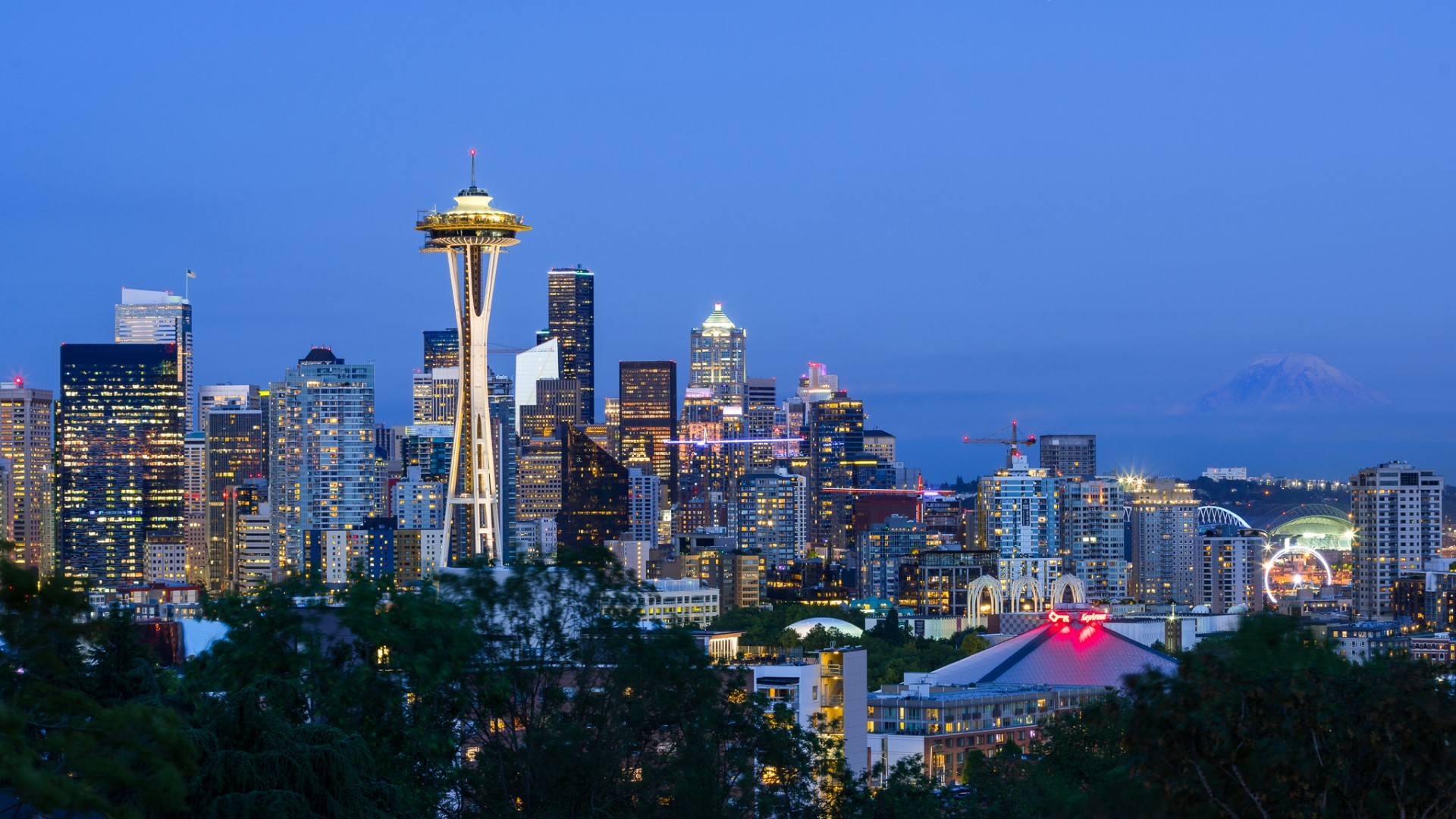 Twilight Photography of Seattle Space Needle